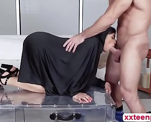 Hot arab bitch ella acquires love tunnel team-fucked