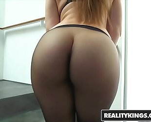 Realitykings - monster curves - (dani daniels, jessy jones) - getting ribald