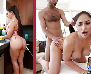 Bangbros - hawt lalin girl milf maid marta la croft gargles on large knob