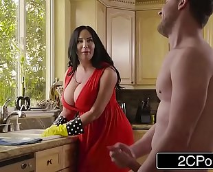 Chubby breasty stepmom's cum cleaning - sybil stallone