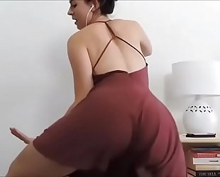 Ashley alban - gas pedal twerk - vixcams.com