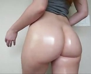 Beautiful white a-hole flexing and bouncing on cam - cam-girlhotties.com